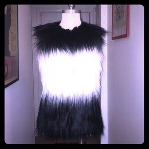 Design Lab Faux Fur Vest (Black & White) S